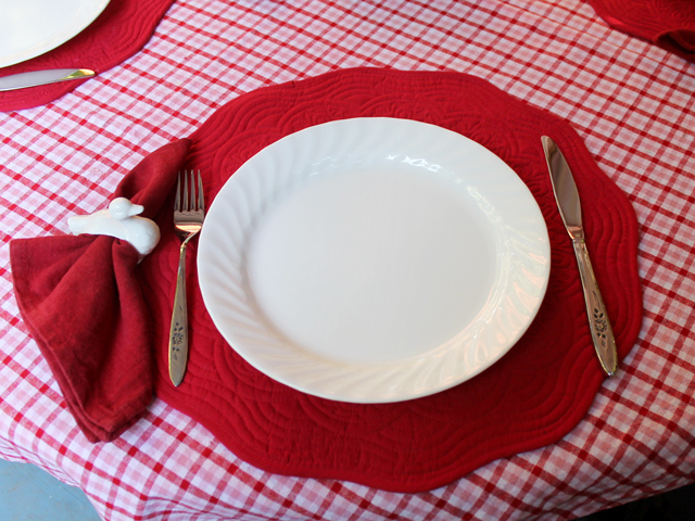 place setting for canada day outdoor dinner