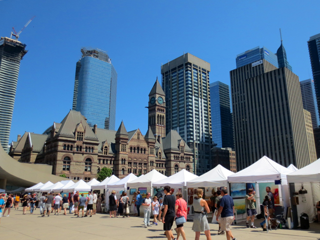 toronto outdoor art fair at nathan phillips square