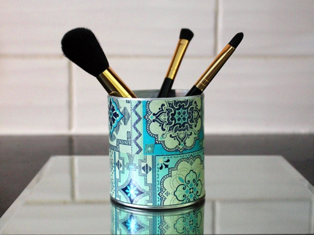 tetley tea can repurposed make up brush holder