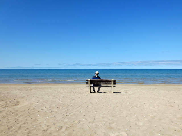 bench on north side sauble beach