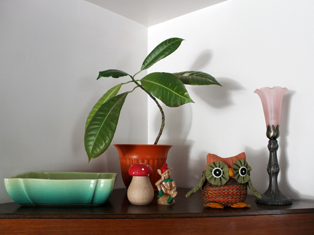 corner cabinet auturmn decor