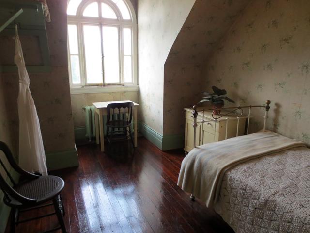 housemaids room spadina house museum 1920s decor toronto