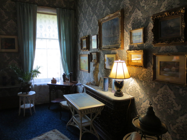 upstairs lounge in spadina house historic home museum toronto