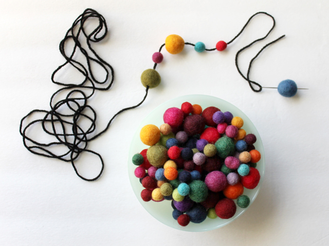 how to make a garland with felt wool balls