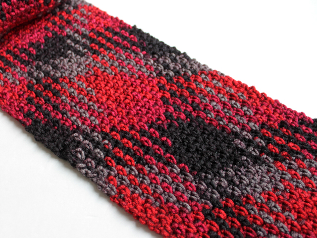 loops and threads pooling plaid yarn from michaels red hot colourway how to use it