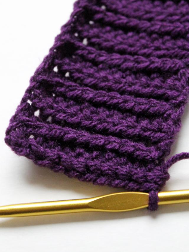 close up of crocheted ribbing