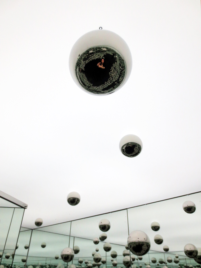 ago toronto art yayoi kusama infinity mirrored room permanent display art gallery of ontario