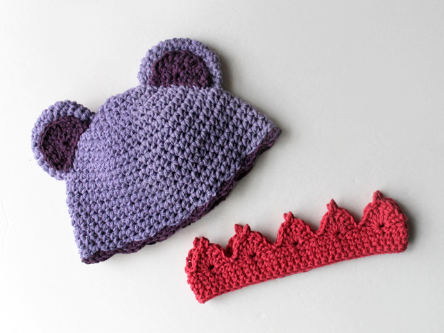 crocheting for babies a hat with ears and a crown bernat cotton yarn made with free patterns