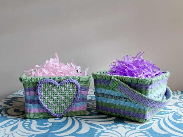 how to make small easter baskets from berry baskets plastic canvas and cotton yarn diy easter decorating