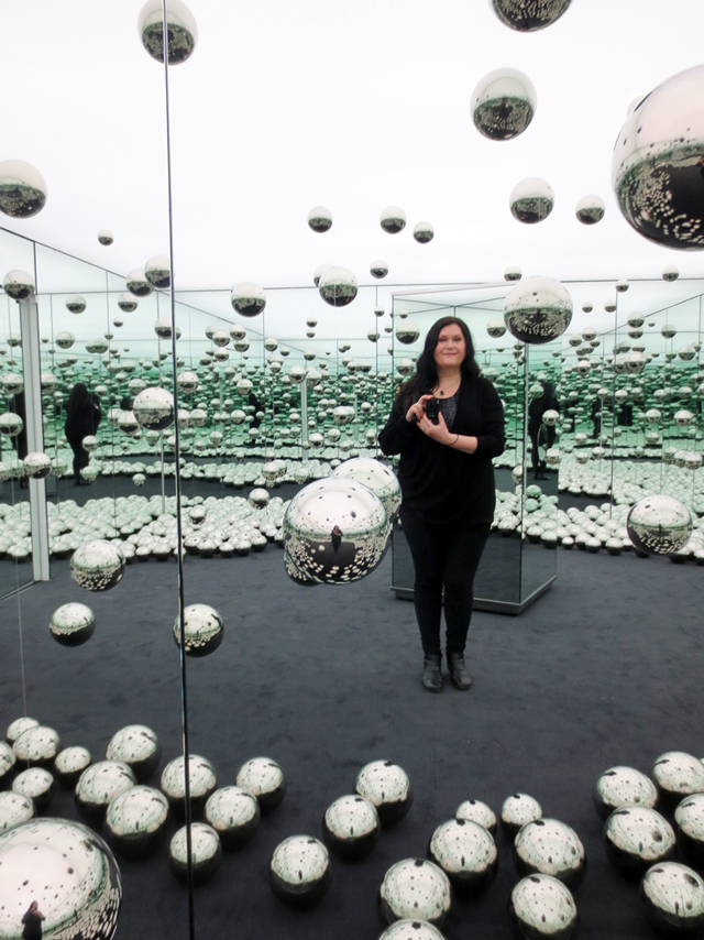 in yayoi kusama infinity mirrored room lets survive forever ago toronto permanent display art gallery of ontario