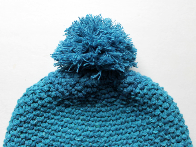 pompom made with cotton linen yarn