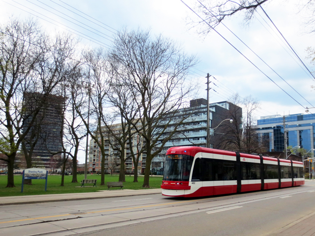 new streetcars in toronto king street west