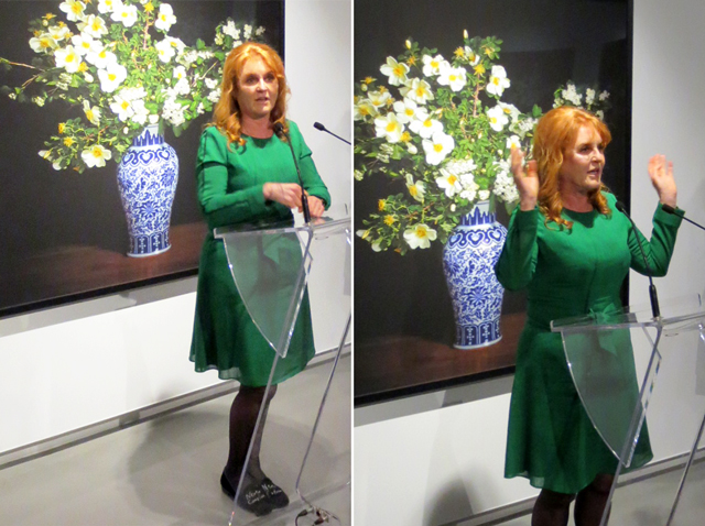 sarah ferguson duchess of york telling a funny story in toronto onsite gallery opening tm glass exhibition