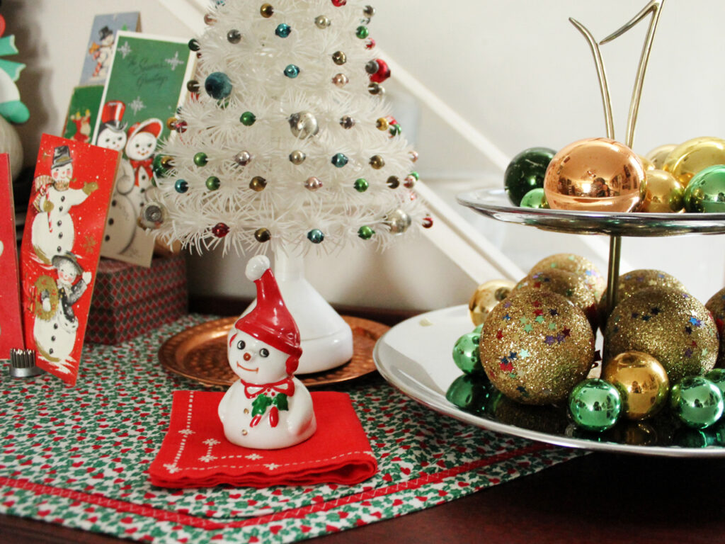 vintage ceramic snowman bell and other christmas decor 1024x768